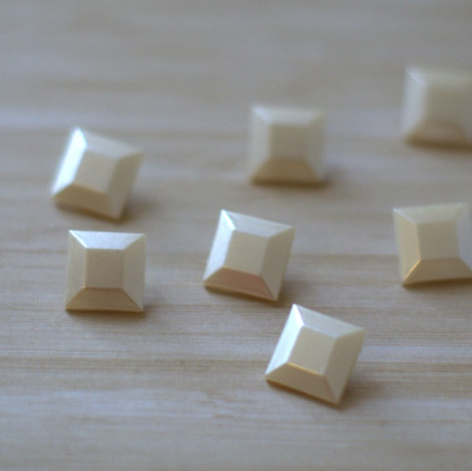 Champagne Pearl Faceted Square Vintage Buttons - 12mm