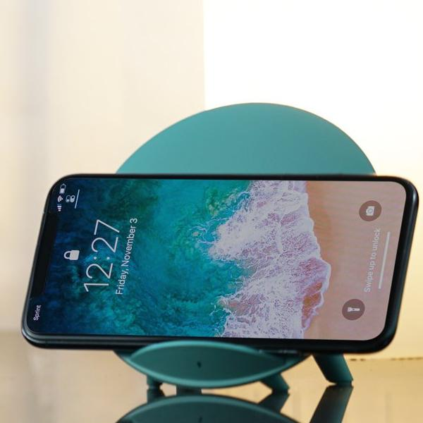 CANDI - Wireless Charging Station