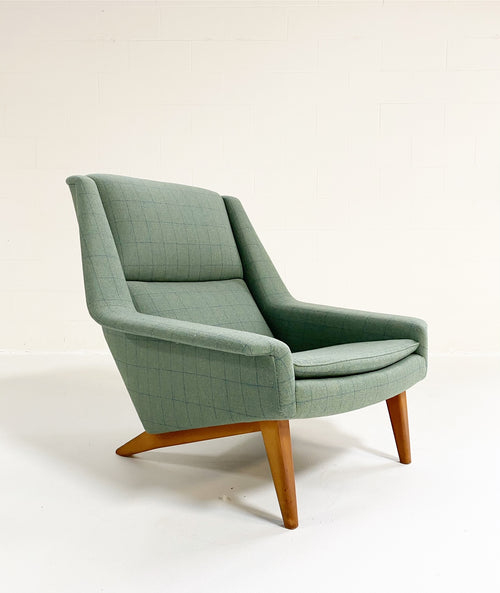 Model 4410 Lounge Chair