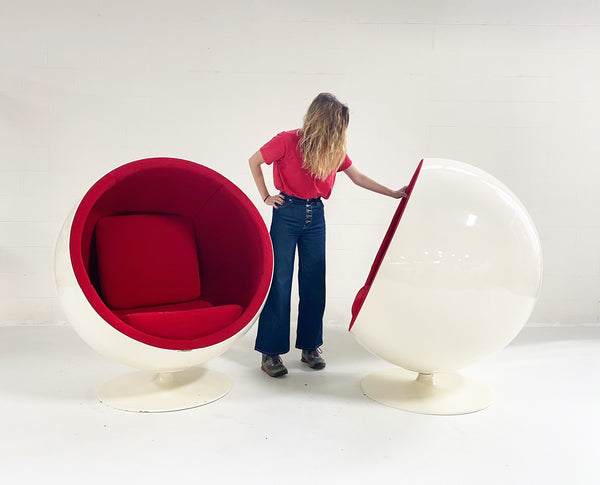 The Ball Chair, Pair