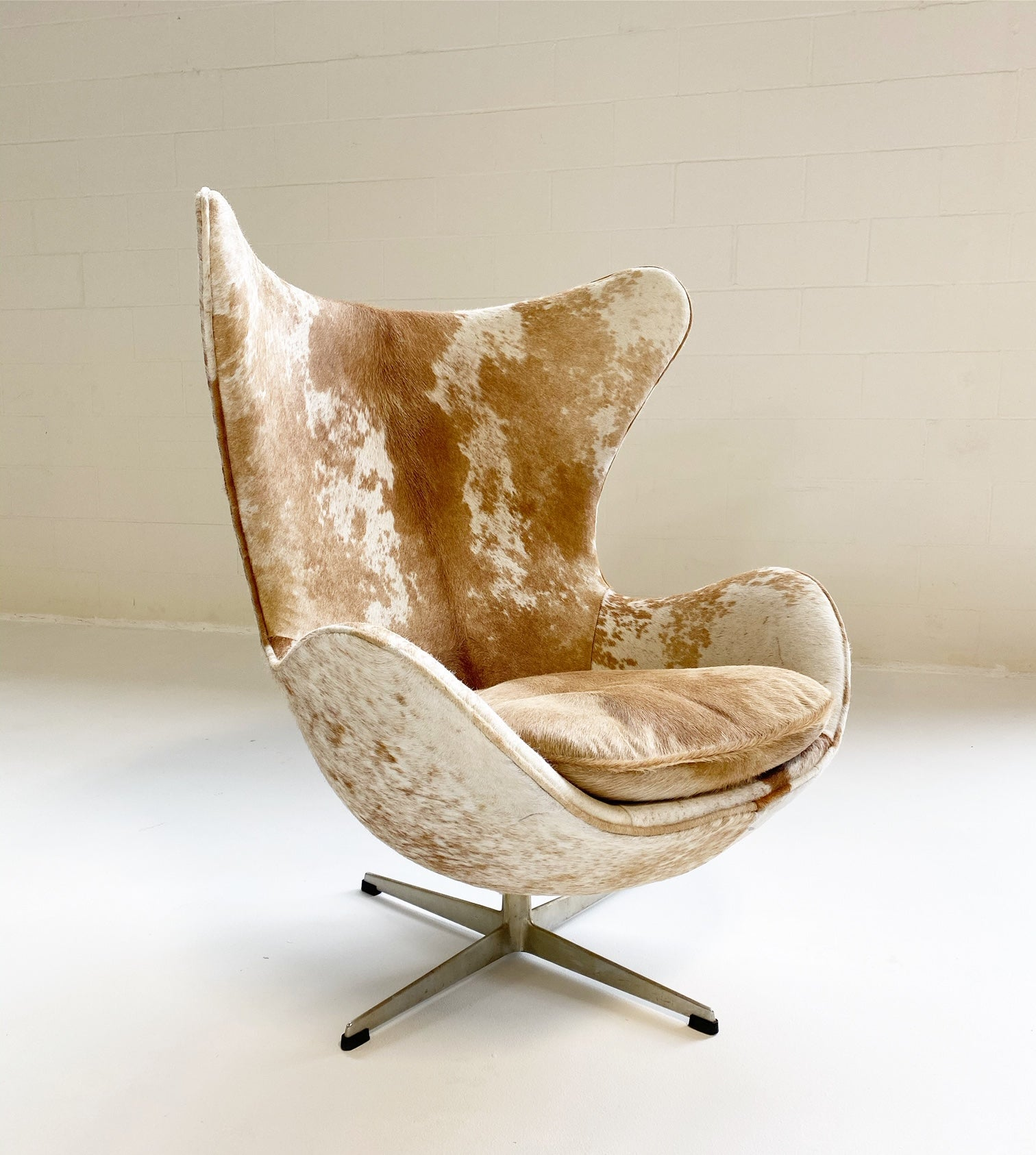 Egg Chair in Brazilian Cowhide - FORSYTH