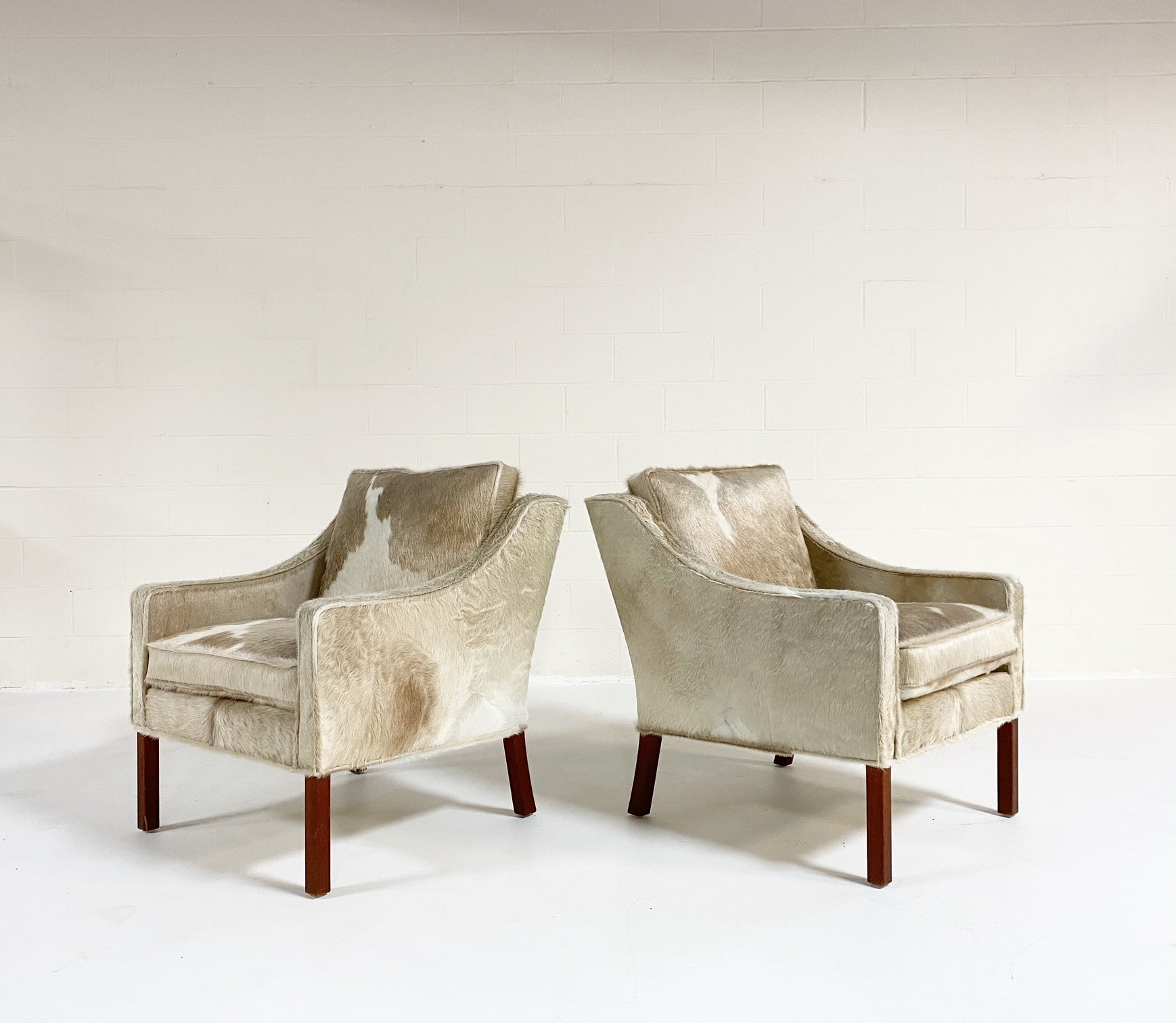 Model 2207 Lounge Chairs in Brazilian Cowhide, pair