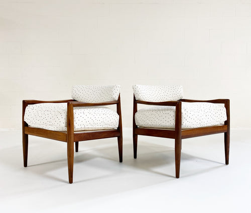 Model 834-C Lounge Chairs in Rose Uniacke Linen, pair