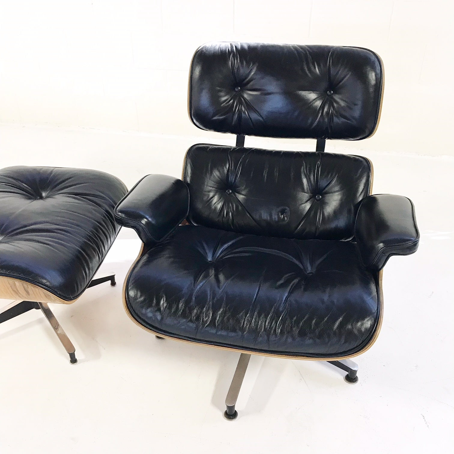 670 Lounge Chair and 671 Ottoman - FORSYTH