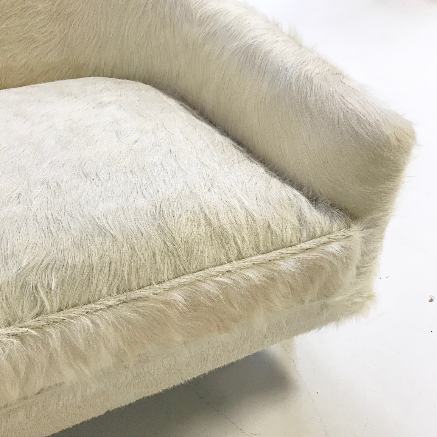 Cloud Chairs in Brazilian Cowhide, pair - FORSYTH