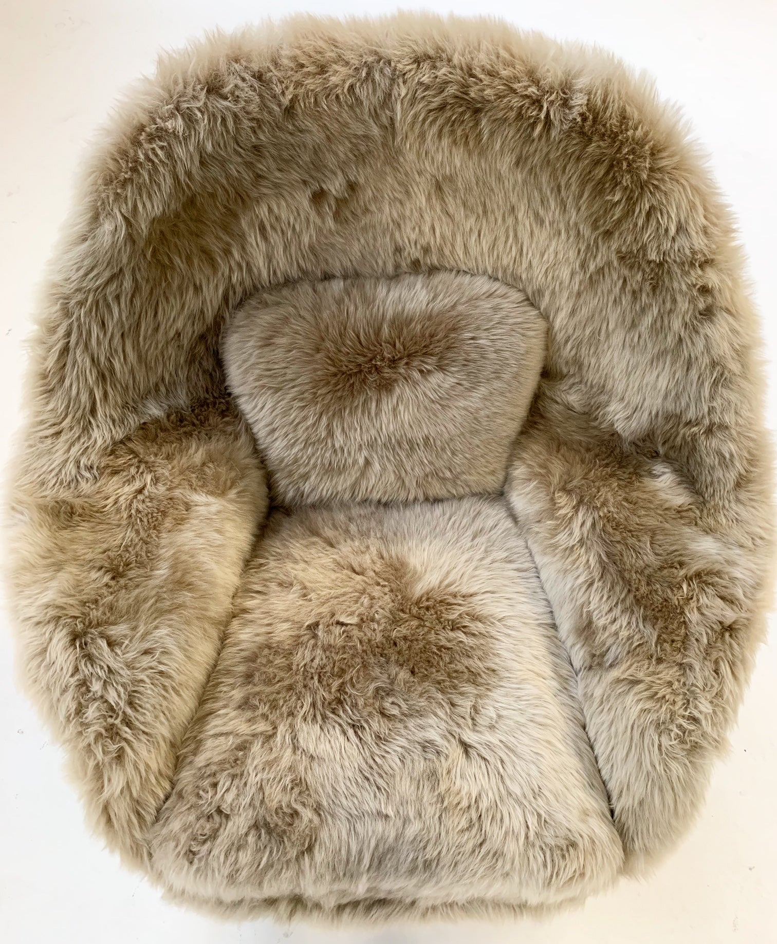 Womb Chair in New Zealand Sheepskin - FORSYTH