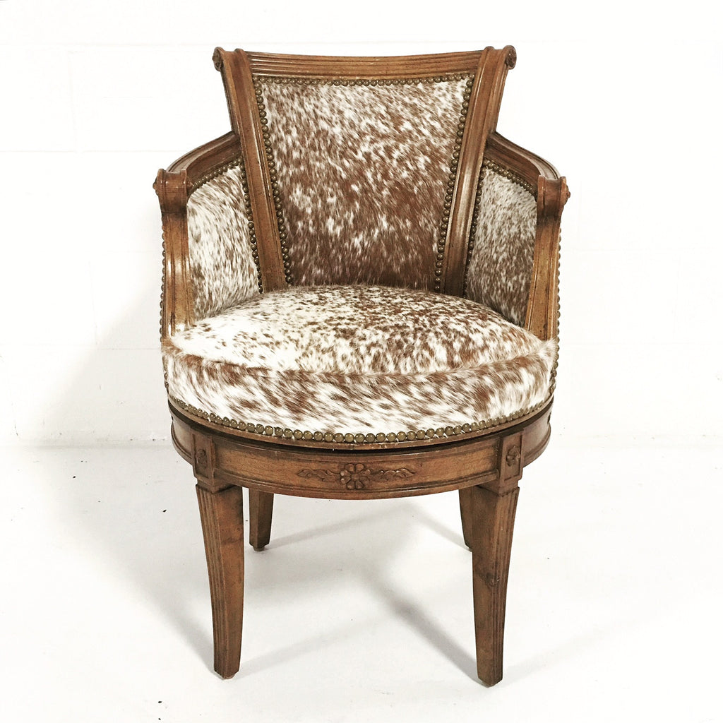 Attirant Vintage Swivel Chair In Brown And White Speckled Cowhide   FORSYTH