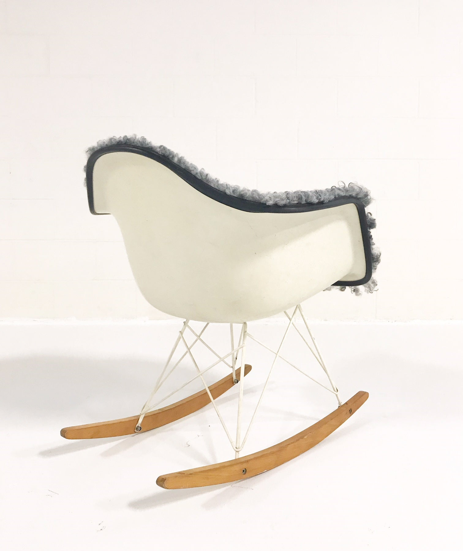 RAR Rocking Chair in Gotland Sheepskin - FORSYTH
