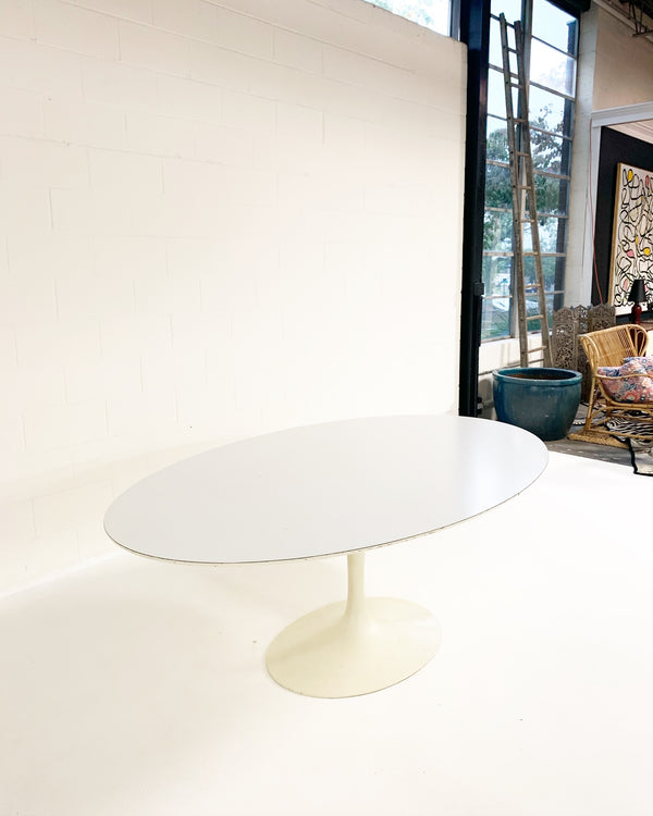 Pedestal Tulip Dining Table