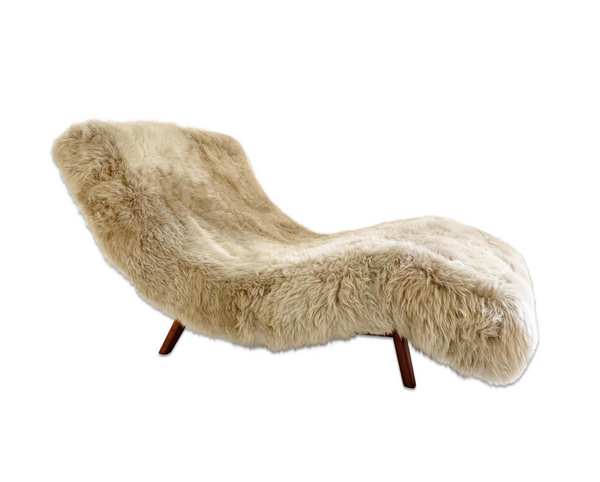 Wave Chaise Lounge in New Zealand Sheepskin - FORSYTH