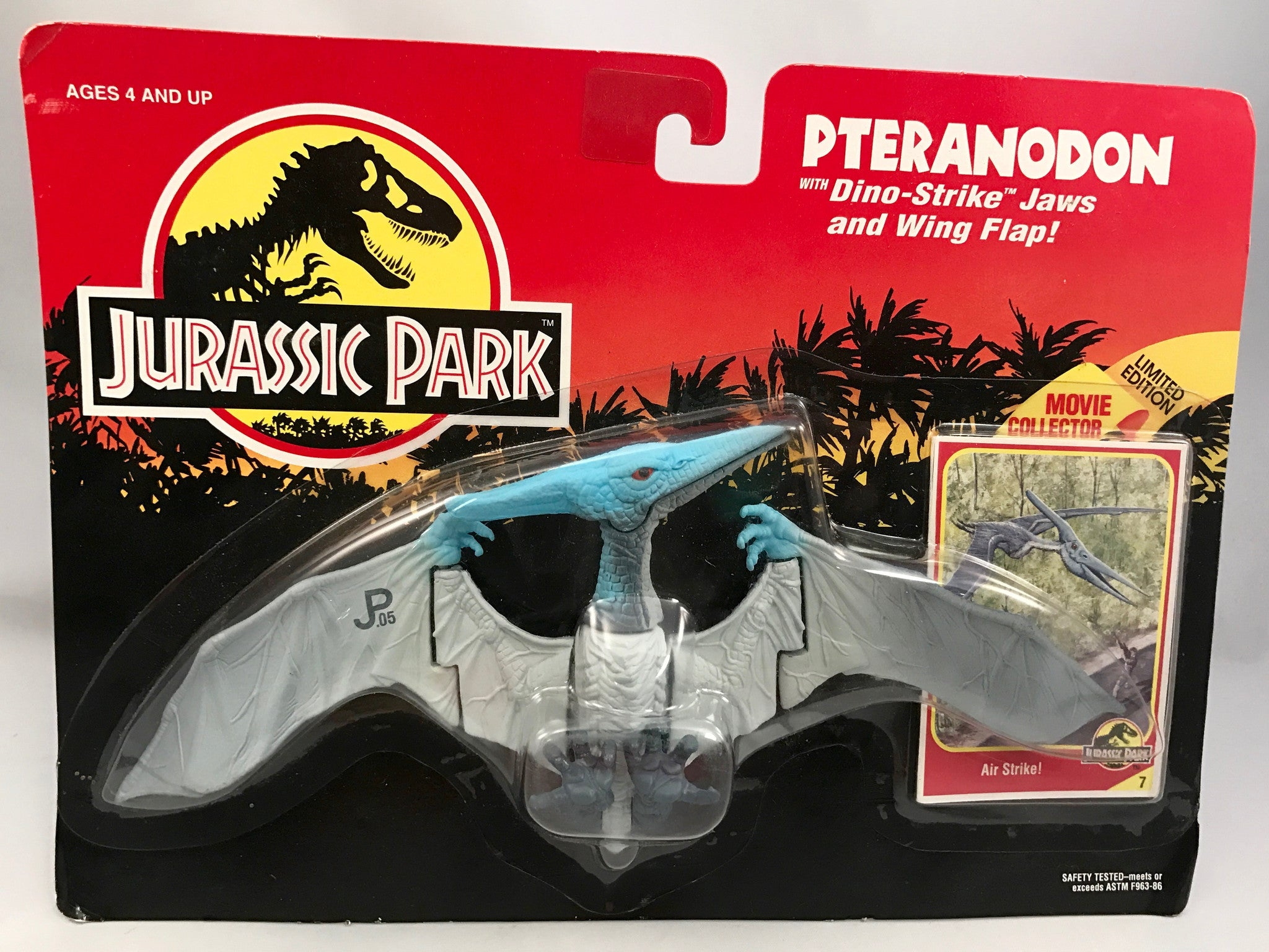 Vintage Jurassic Park Pteranodon w/ Dino-Strike Jaws and Wing Flap