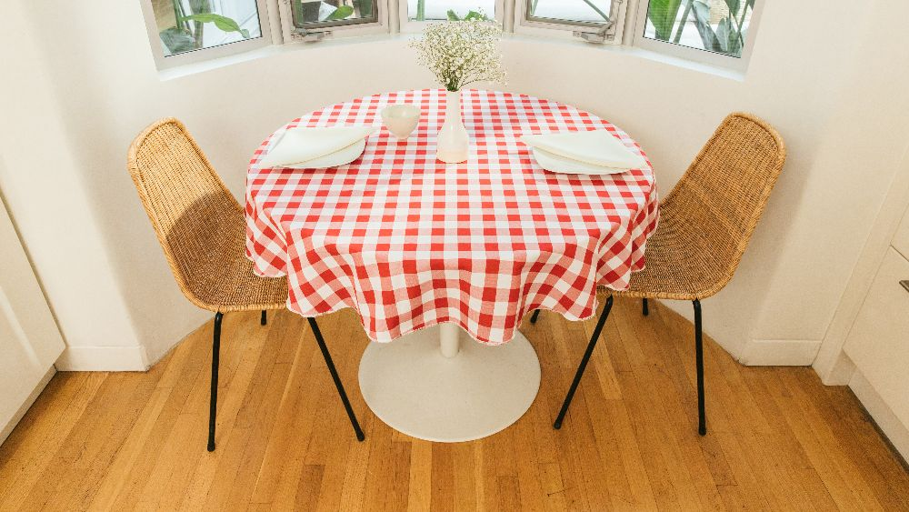 Checkered Round Tablecloth 58-Inch in White and Red