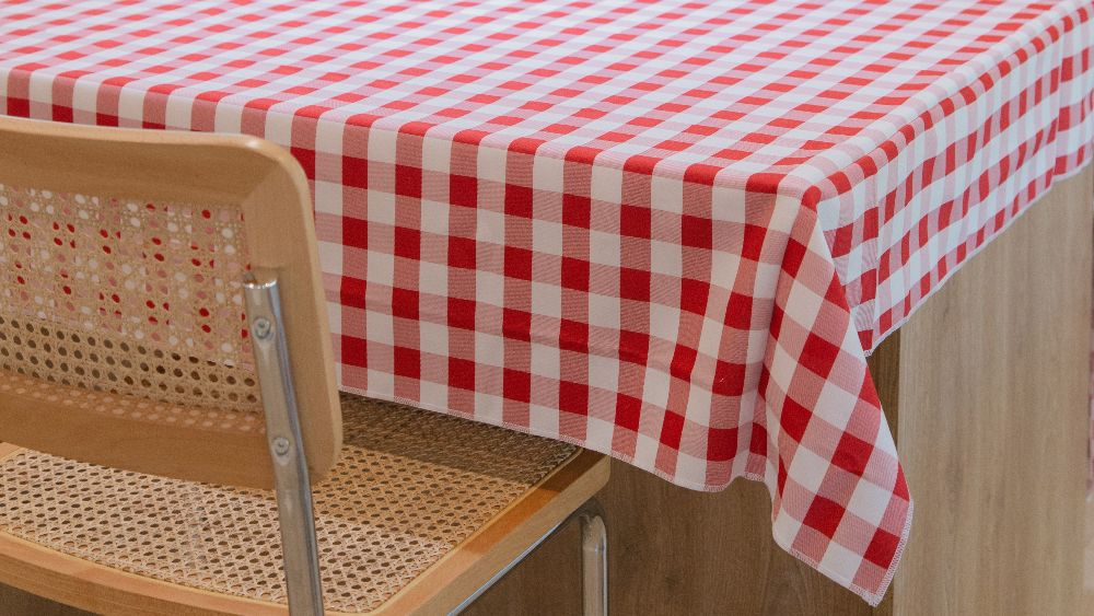 Checkered Square Tablecloth 72 by 72-Inch in White and Red