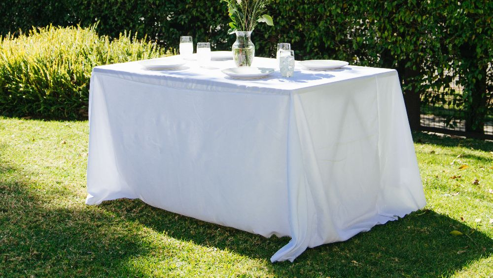 Polyester Poplin Rectangular Tablecloth 90 by 132-Inch in White