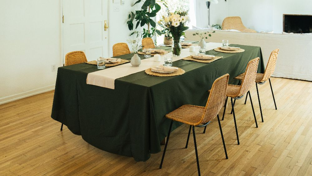 Polyester Poplin Rectangular Tablecloth 90 by 156-Inch in Olive
