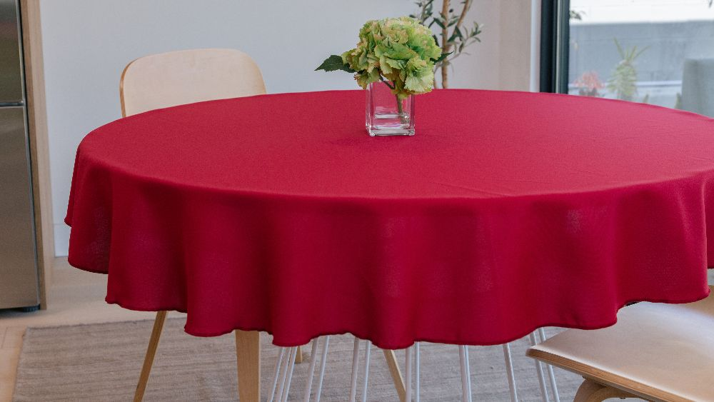 Polyester Poplin Round Tablecloth 58-Inch in Cranberry