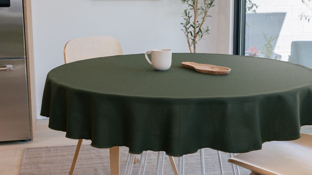 Polyester Poplin Round Tablecloth 58-Inch in Olive