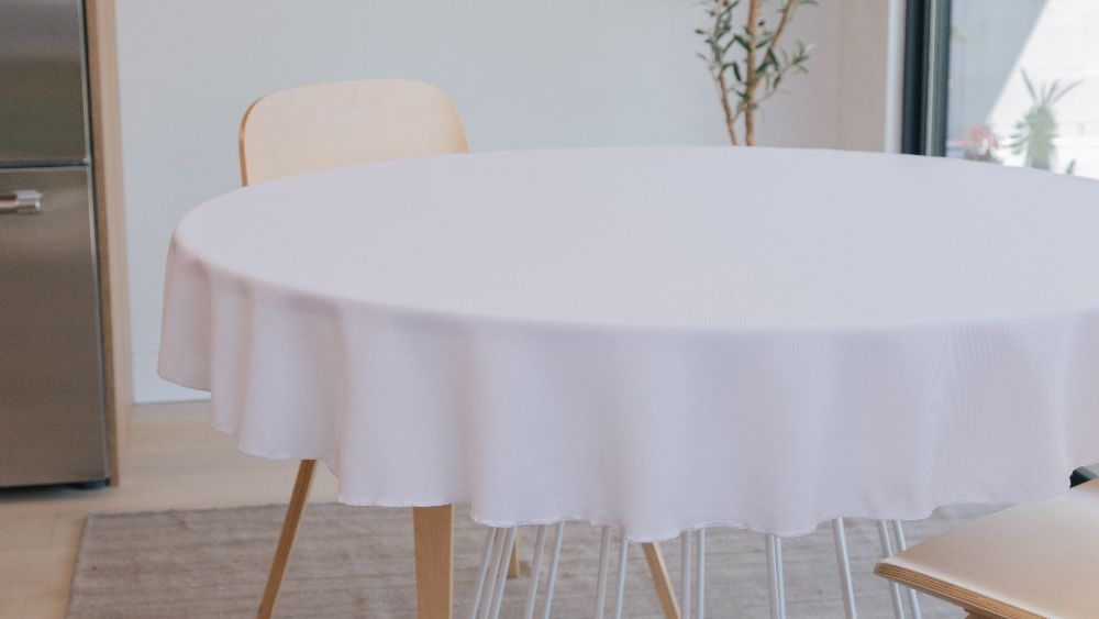 Polyester Poplin Round Tablecloth 58-Inch in White