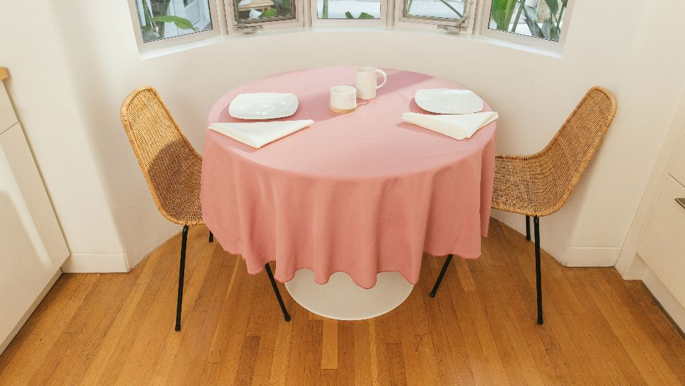 Polyester Poplin Round Tablecloth 72-Inch in Dust Rose