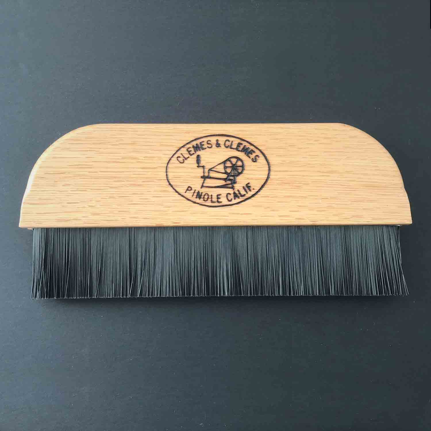 Clemes & Clemes Packing Brush