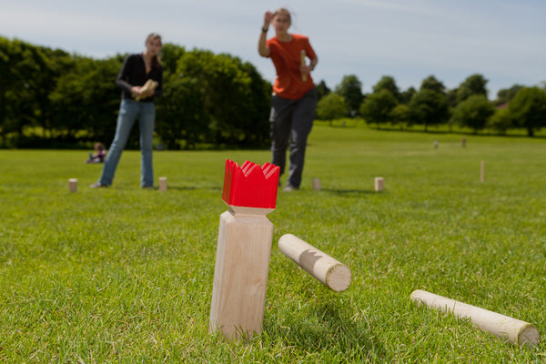 how to play the kubb lawn game