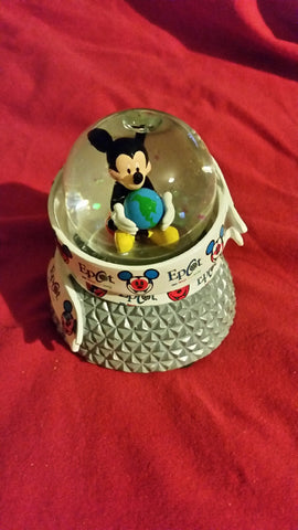 Mickey Mouse World Showcase Small Snowgobe [free ship]
