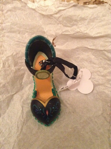 Anna (Frozen) Shoe Ornament