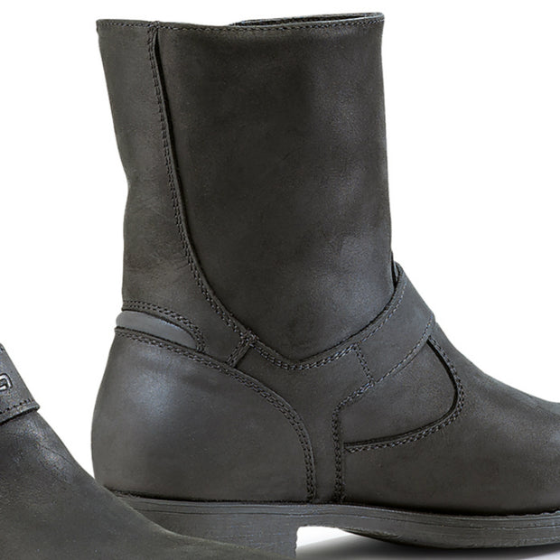 Forma Eva womens black motorcycle boots inside
