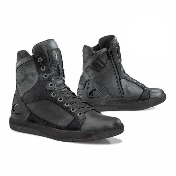 Forma Hyper motorcycle boots black