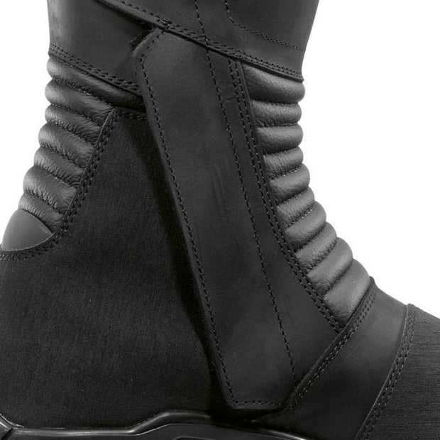 Forma Voyage motorcycle boots zip velcro closure