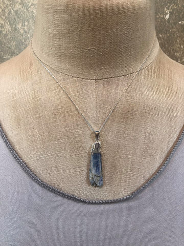 Toile Kyanite Necklace