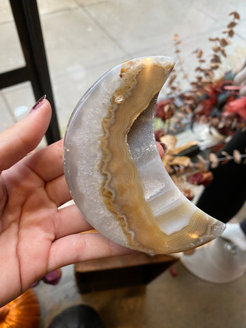 Witch's Way Agate Moon
