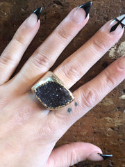 Nuance Druzy Dark Grey Neutral Gold Ring