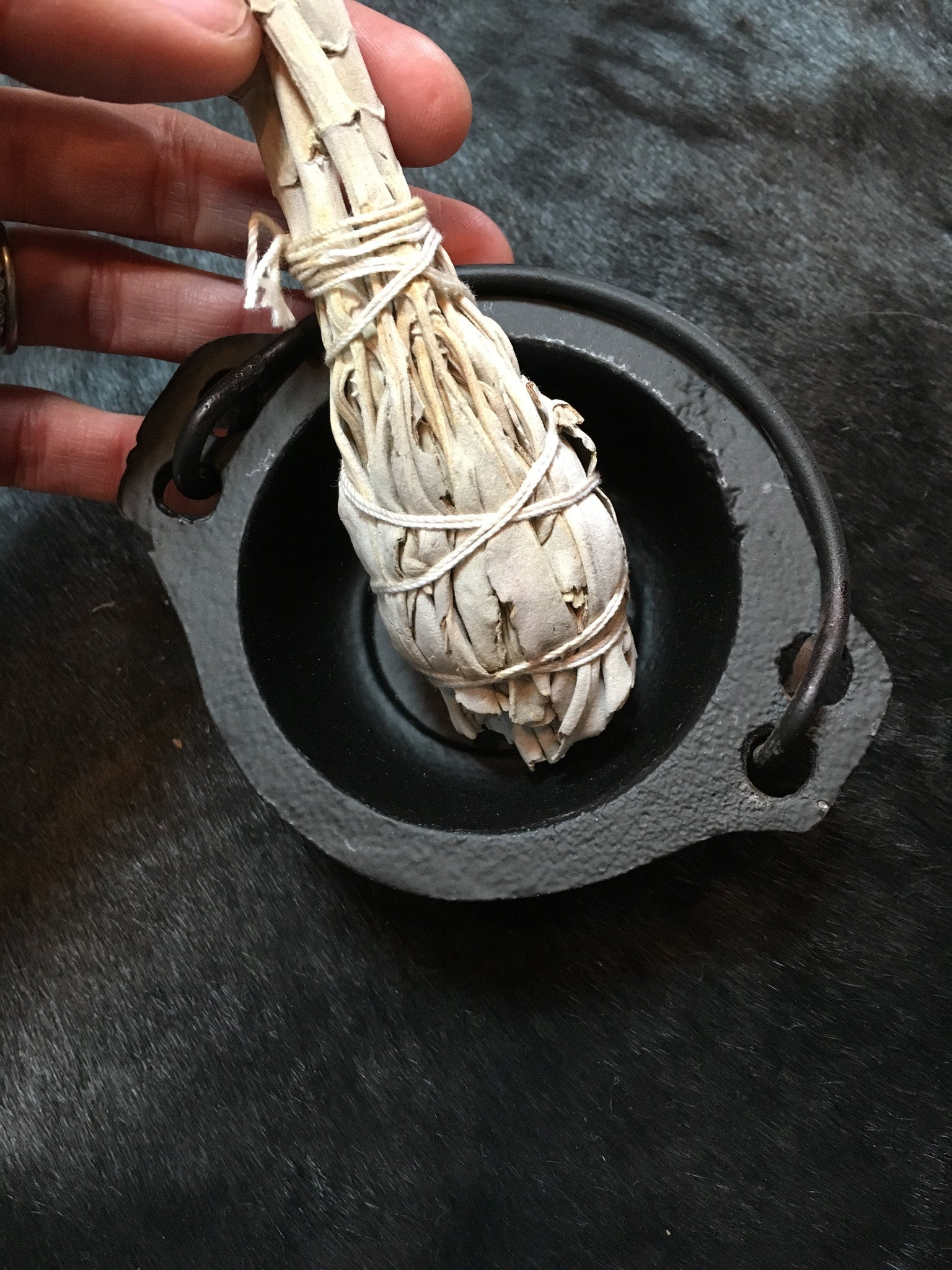 New Age Cast Iron Mini Cauldron