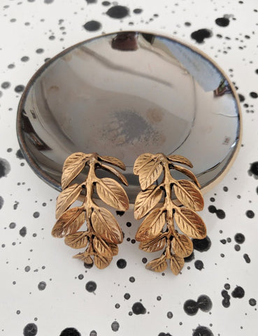Nuance Falling Leaf Earrings Gold