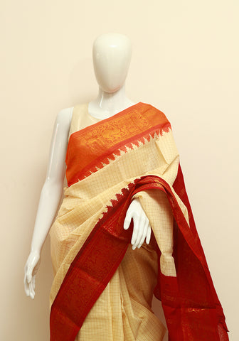 Off-white Sungudi Saree Design 3