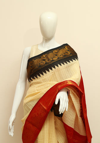 Off-white Sungudi Saree Design 5