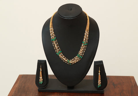 Traditional Jewellery Set with Artificial Pearls Design 5