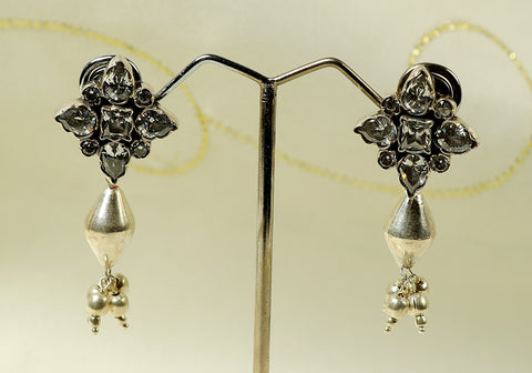 Daily wear silver earrings with semi-precious stones design 11