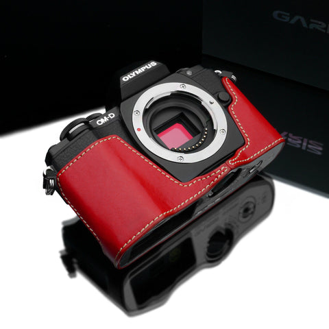 Gariz Olympus OM-D E-M10 Leather Camera Half Case (Red)