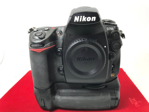 USED- Nikon D700 Body+MB-D10 Battery Grip,85% Like New Condition,S/N:2024375,YL PJ