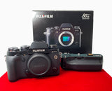 USED-Fujifilm X-T1 Camera Body With VG-XT1 Battery Grip,90% Like New Condition With Box,S/N:41M07124,YL PJ.