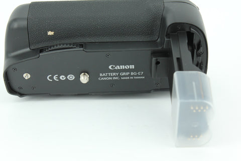USED- CANON BG-E7 Battery Grip, 95% Like New, YL PUDU