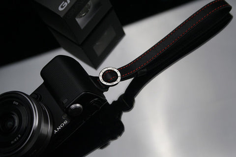 Gariz Wrist/Finger Strap (Black + red stitching)