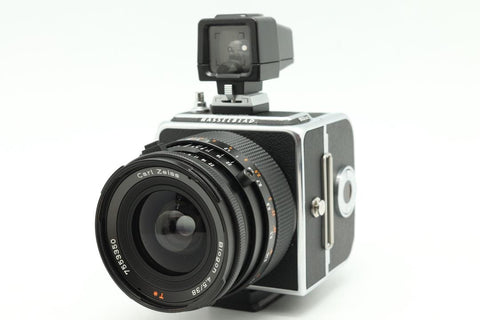 USED-HASSELBLAD 903 SWC C/W 38MM F4.5 Biogon T* LENS and A12 FILM BACK,95% LIKE NEW.SN:13ET10170,YL PUDU