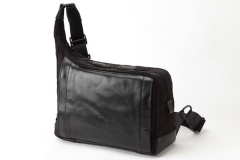 Artisan & Artist RR4 05C Camera Bag (Black)