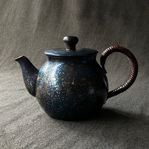 Speckled Back Handle Teapot Tsuiki Copperware | inquire for pricing