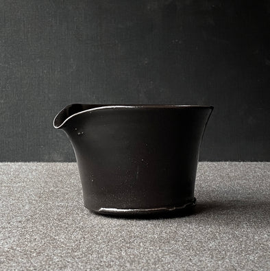 Spouted Matcha Bowl Black