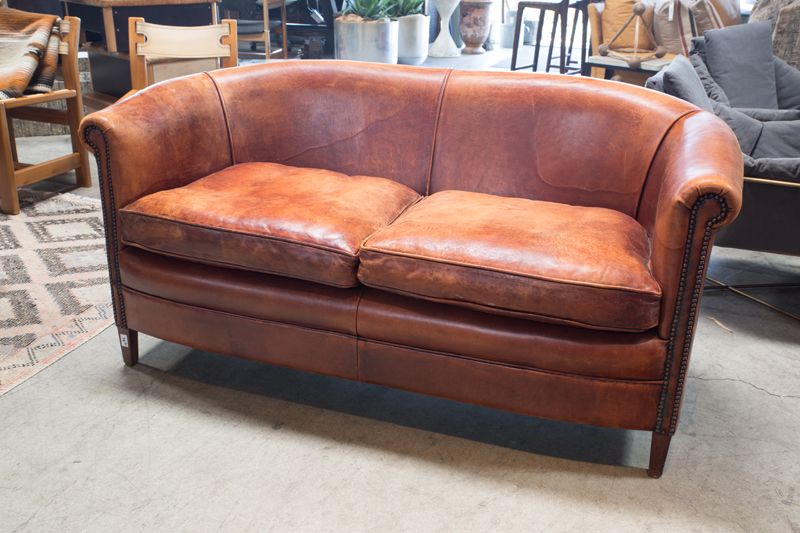 VINTAGE LEATHER LOVE SEAT