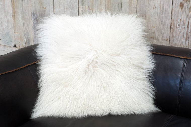 CHESTERFIELD MOHAIR PILLOW - WHITE